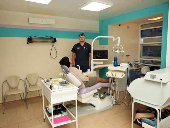 Первичный осмотр стоматолога в Уфе